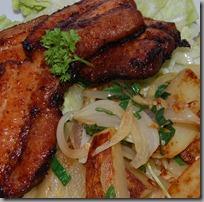 Grilovaný bůček a restované brambory s cibulí06