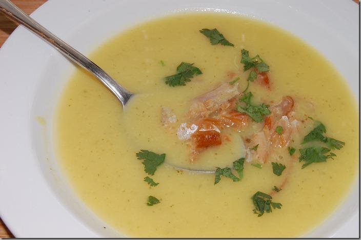 Květáková polévka s uzeným lososem03
