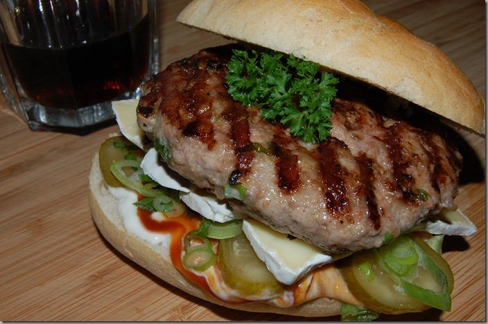 míchaný burger s hermelínem