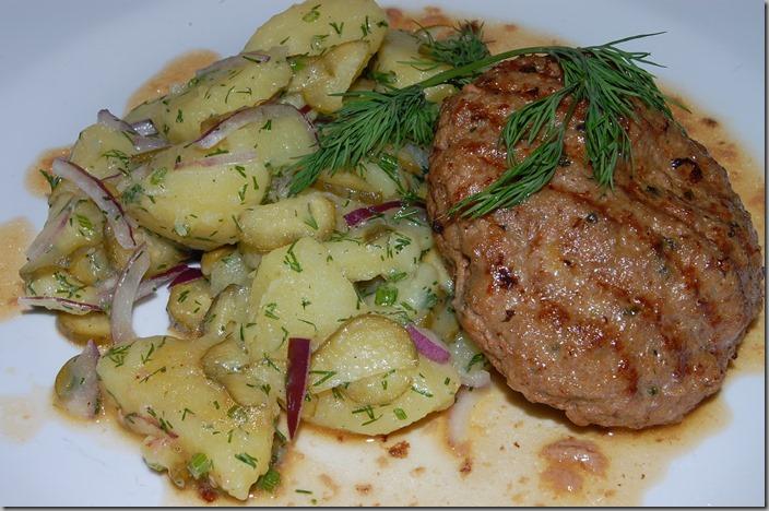 bramborový salát a máslový řízek02