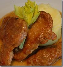 Filátka z vepřové plece v sosu z vermutu a máslové brambory01