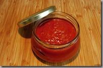 Pikantní rajčatová omáčka s pečenou paprikou