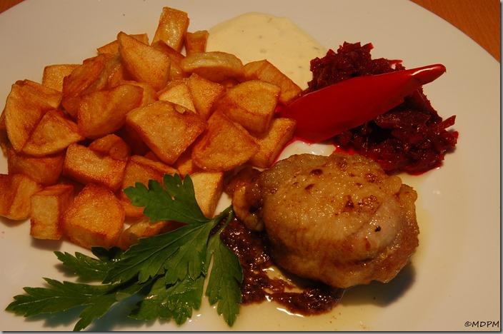 Pálivé kuřátko s Mozarellou a smažené brambůrky