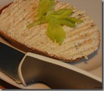 Tuňáková pomazánka,chléb01