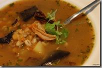 Hrstková polévka s hříbky a čerstvou majoránkou01