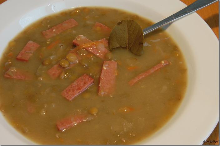Čočková polévka s mrkví a salámem