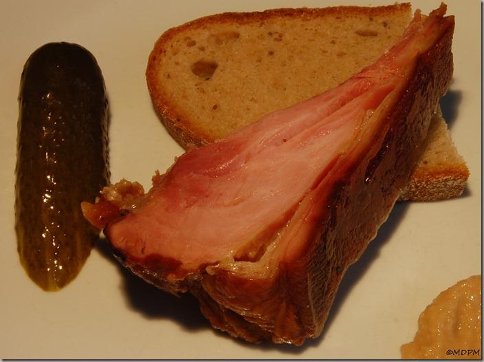 uzené kolínko s chlebem03