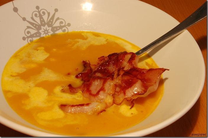 Pálivá polévka z dýně Hokaidó s kari pastou