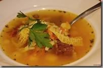 Vývar s krupkami, brambory, mrkví a kapustou01