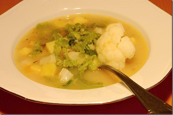 květáková polévka s kapustou