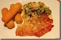 Smetanové krůtí ragů s kapustou, slaninový chips a domácí bramborové krokety