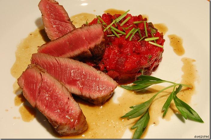 Biftek ze svíčkové a salátek z pečené zeleniny05