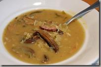 Zelná polévka se sušenými hříbky a kroupami03