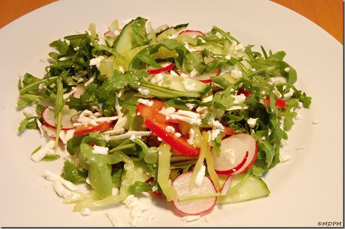 salát s balkánským sýrem01