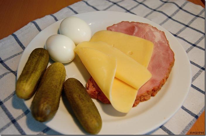 Uzené,sýr,vejce,okurka01