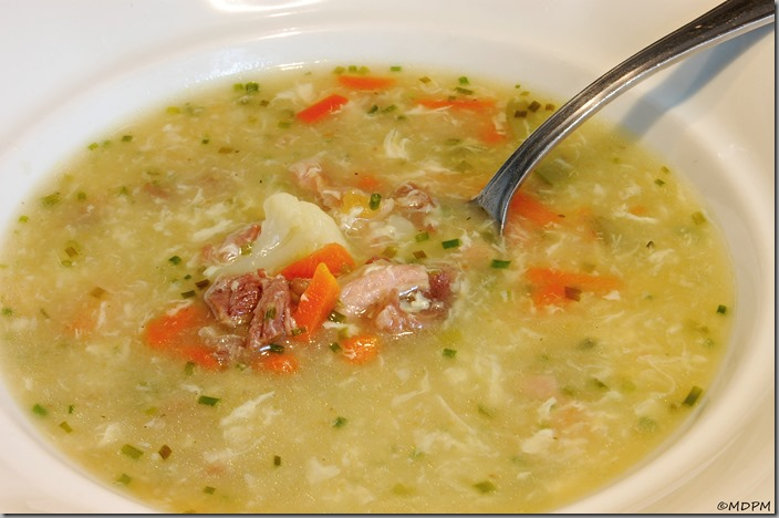 Zapražená polívka se zeleninou a hovězím01