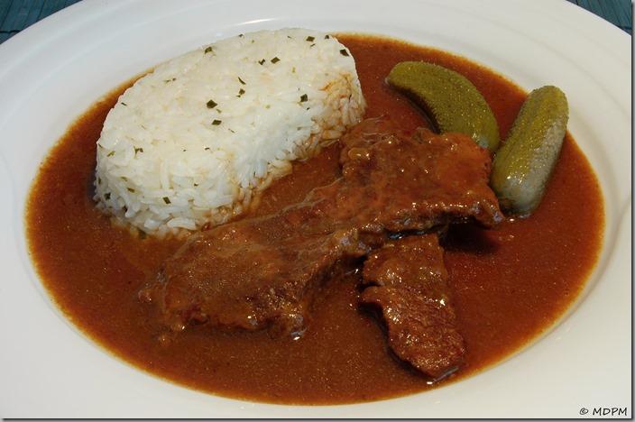 02-hovězí filátka na cibuli s rýží