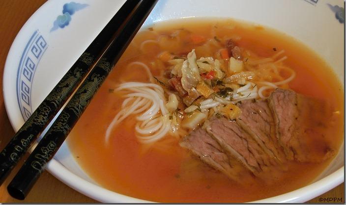 Kyselá asijská polévka_150914_01