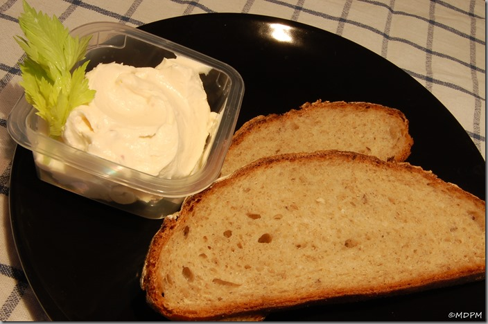 sýr lučina a čerstvý chléb