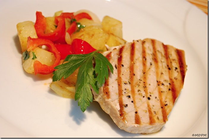 02-steak z tuňáka a smažená máslová zelenina