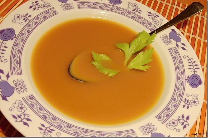 Slaninová polévka s pečenou máslovou dýní