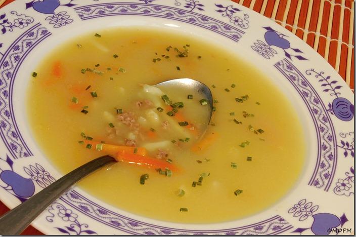 02-Drůbeží játrová polévka