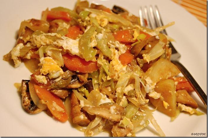 09-Restovaná zelenina s brambory a balsamicem s vajíčkem