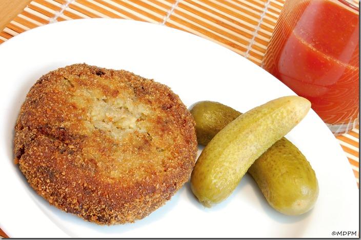 05-Hříbkové opečenky,okurky,rajčatová šťáva