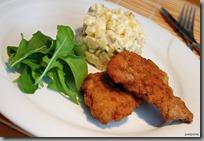 02-Smažený řízek s bramborovým salátem