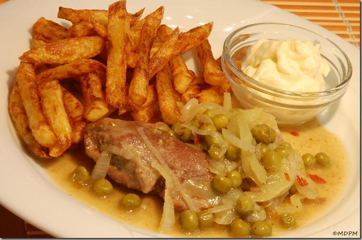 04-krkovička se zeleninou a hranolky s majonézou