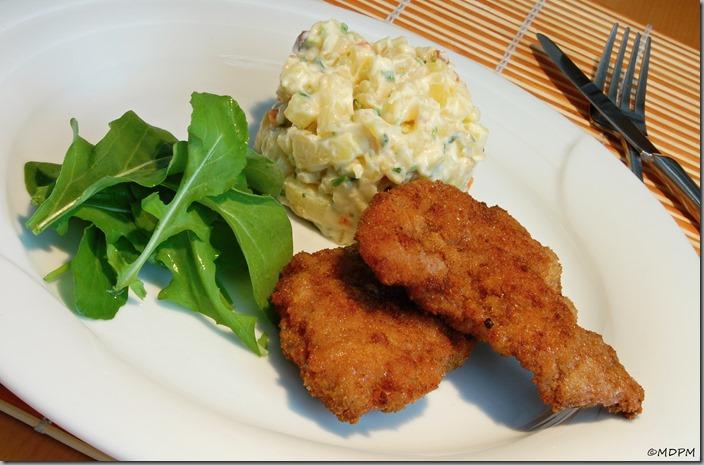 05-Smažený řízek s bramborovým salátem