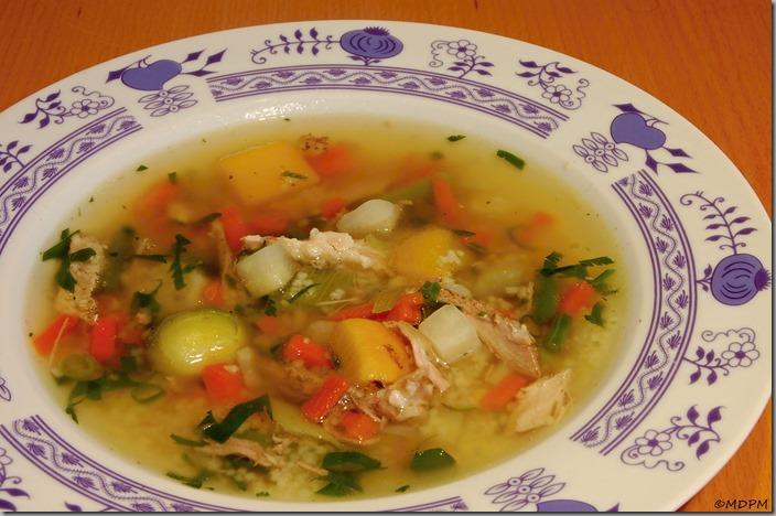 Kachní polévka se zeleninou a kuskusem