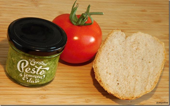 02-pesto,rajče,chléb