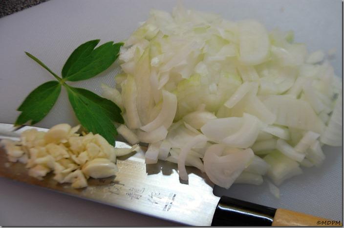 06-příprava,cibule a česnek