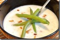 02-Smetanová polévka s koprem, brambory, fazolkami