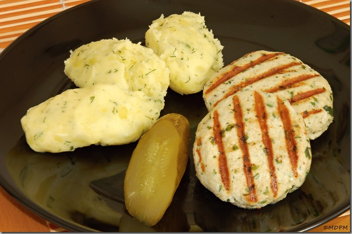 04-karbanátky se sýrem a šťouchačky s kysanou smetanou