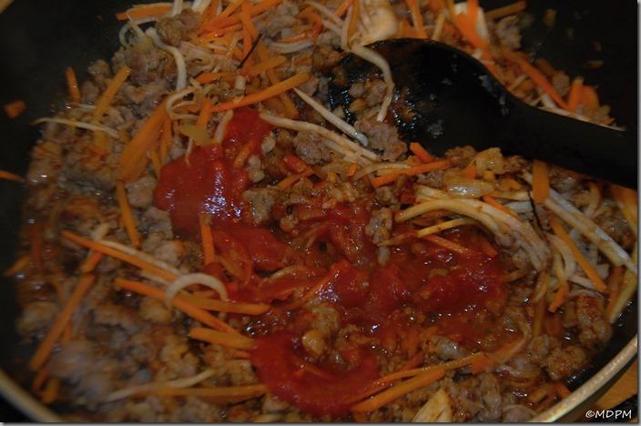 11-promíchat a rajčatové pyré