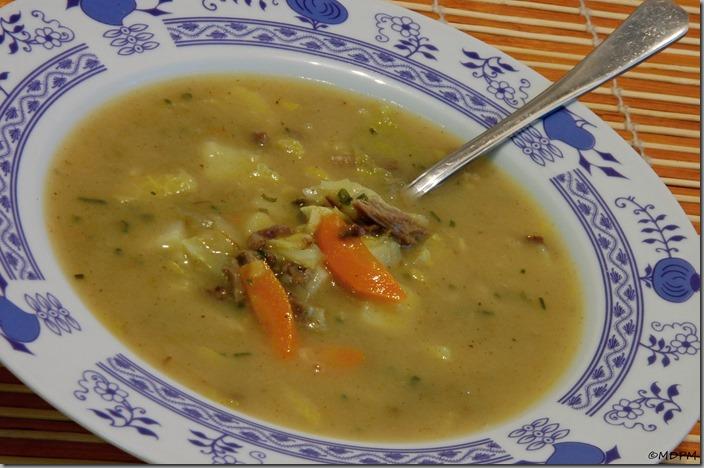 03-zapražená zeleninová polévka s vařeným masem