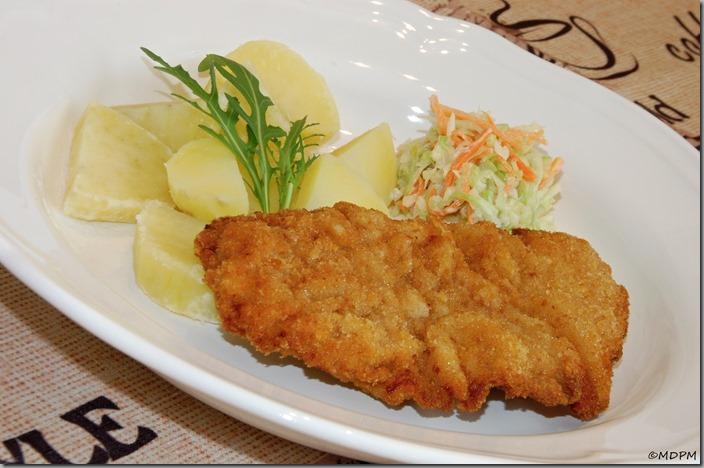06-smažení řízek,vařený brambor,coleslaw
