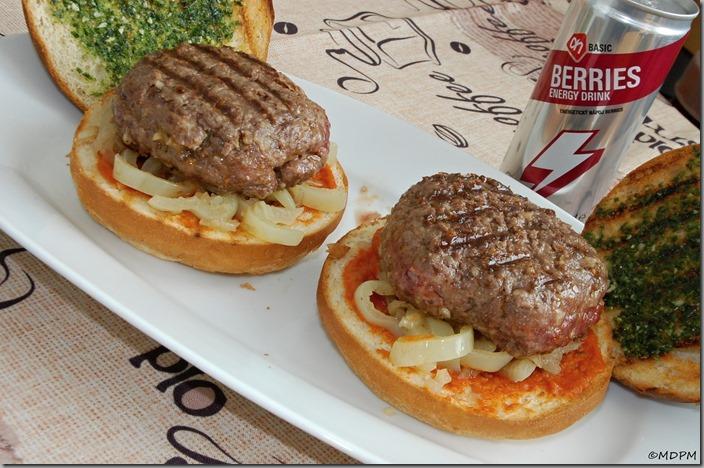 12-burger a žemle s pestem